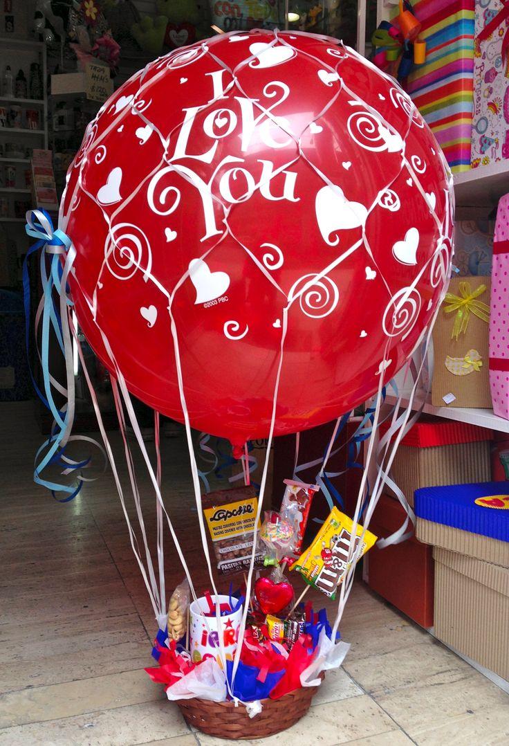 Dile lo que sientes, con amor. #regalos Amer. Canasto con #globo 3 pies, taza Eres Genial! nuez de la india, #chocolates, #botana www.regalosamer.com.mx