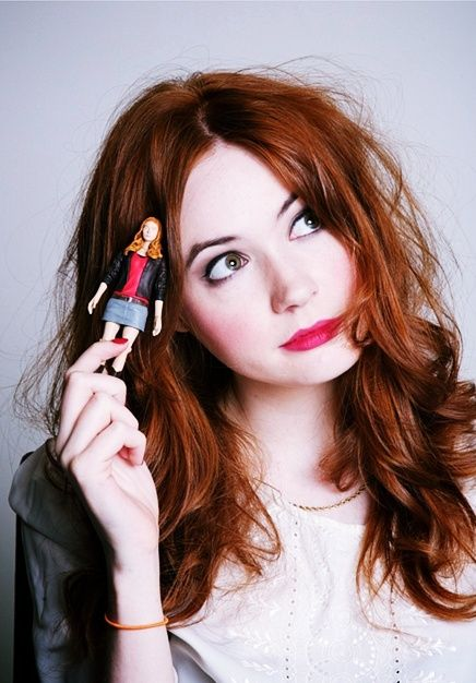 One day I will have pretty long reddish hair to rival Karen Gillan's!