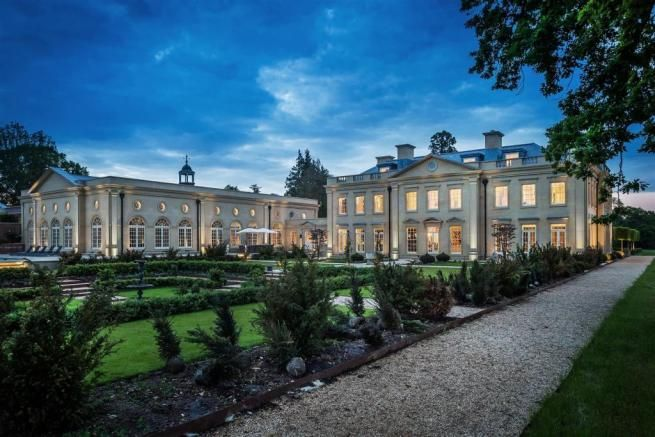 10 Bedroom House For Sale In Mill Lane Chiddingfold Godalming Gu8 10 Bedroom House Mansions Godalming