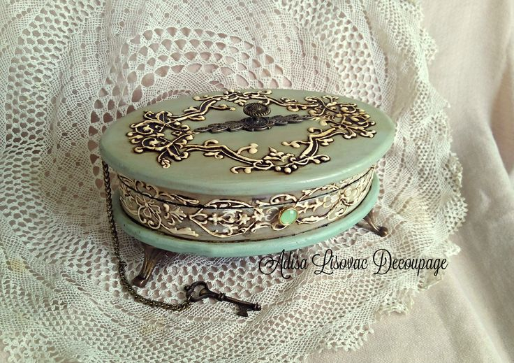vintage old antique shabby chic jewelry box Adisa Lisovac Decoupage