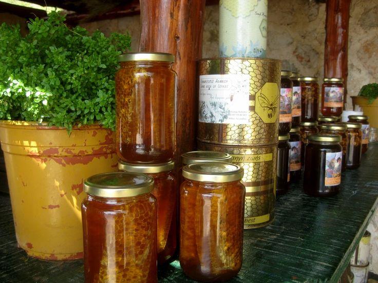 Μέλι θυμαρίσιο από το Αθάνι.
