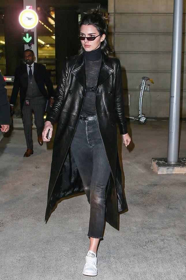Кендалл Дженнер в аэропорту Парижа - мода, красота, украшения, новости, тренды, коллекции брендов одежды, обуви и аксессуаров: все новинки в онлайн-версии журнала Vogue.