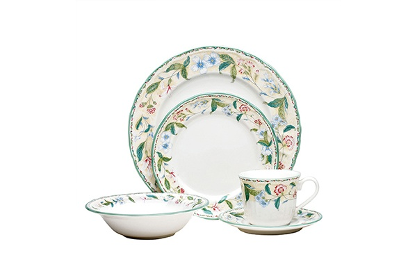 Noritake Floral Bay casual dinner set <3<3