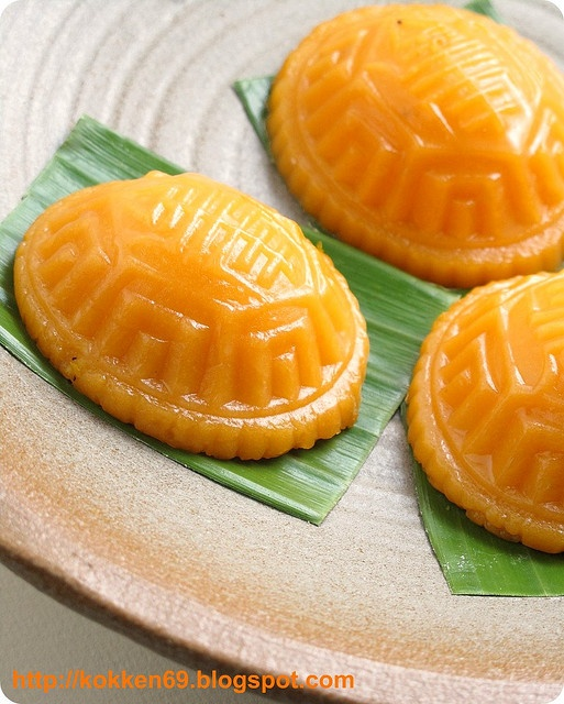 Pumpkin Ang Ku … Traditional Chinese Glutinous Cake — @Kokken - A food blog dedicated to my experiments in the kitchen