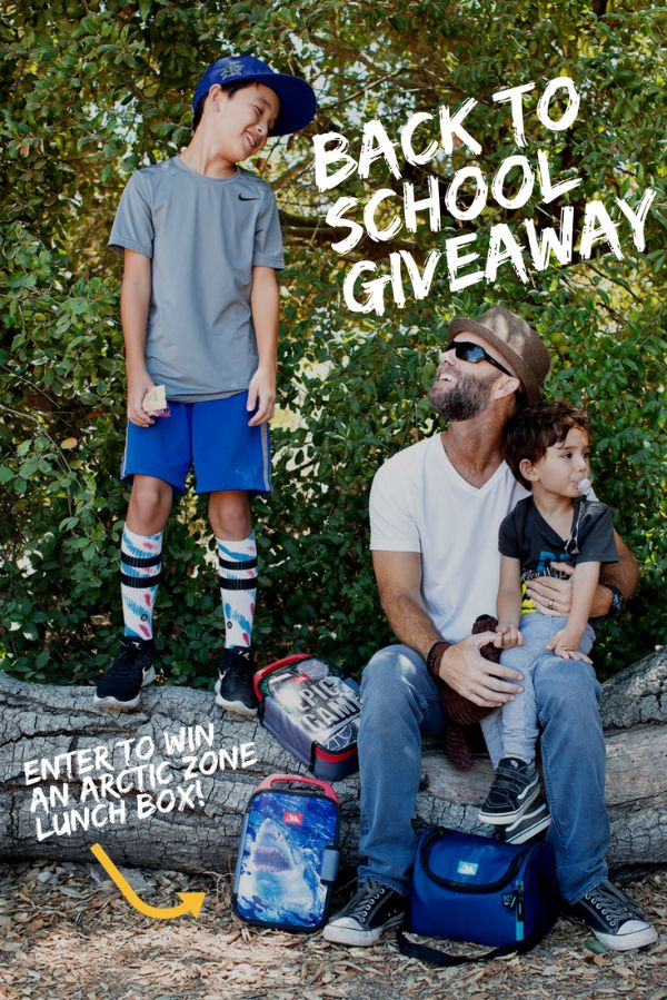 We're giving away Zipperless Lunch Packs just in time for Back to School!! Giveaway ends August 25th at midnight. US & Canada only (except Quebec), 18+ to enter. No purchase necessary.