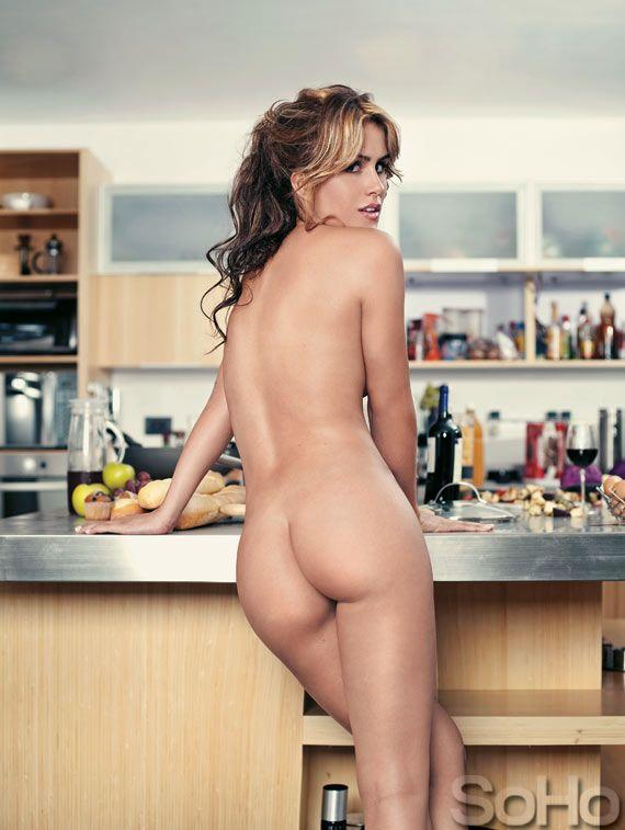 khloe kardashian nude butt