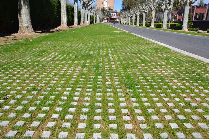 Llosa illa en agbar museu de les aig es losas ecologicas drenante sostenible pavimento - Pavimento jardin ...