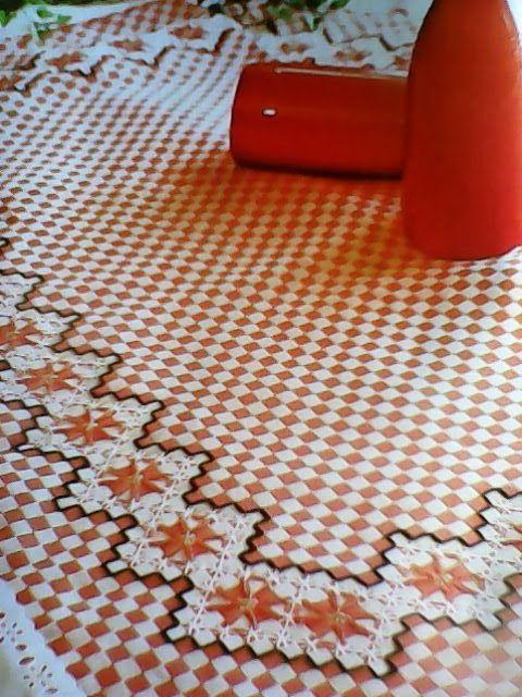 Para quem quer bordar uma pecinha rápida, indico o bordado xadrez muito fácil e lindo,então vamos as postagens.