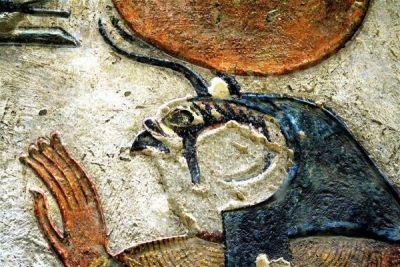 Cum arată adevărații DEMONI ai Egiptului antic! http://www.antenasatelor.ro/curiozit%C4%83%C5%A3i/%C5%9Ftiin%C5%A3%C4%83/9197-cum-arata-adevara%C8%9Bii-demoni-ai-egiptului-antic.html