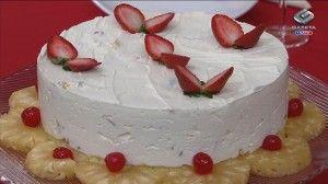 Bolo de Chocolate Branco com Frutas por Jurandyr Affonso