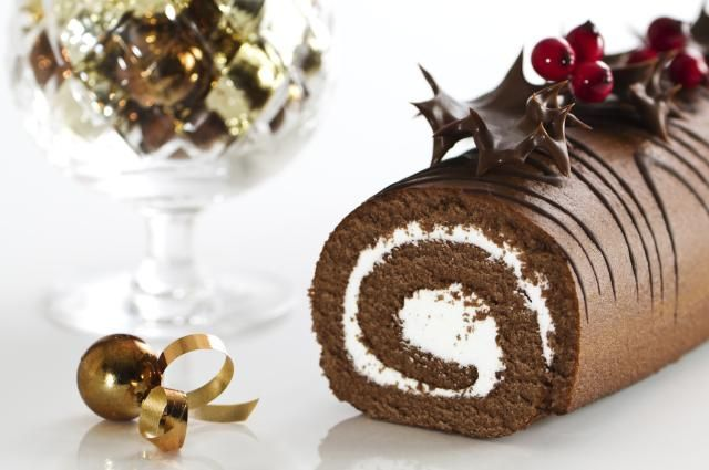 5 Cakes for a Fabulous, Festive Christmas and Boxing Day: 5 Fabulous Cake Recipes for Christmas and Boxing Day