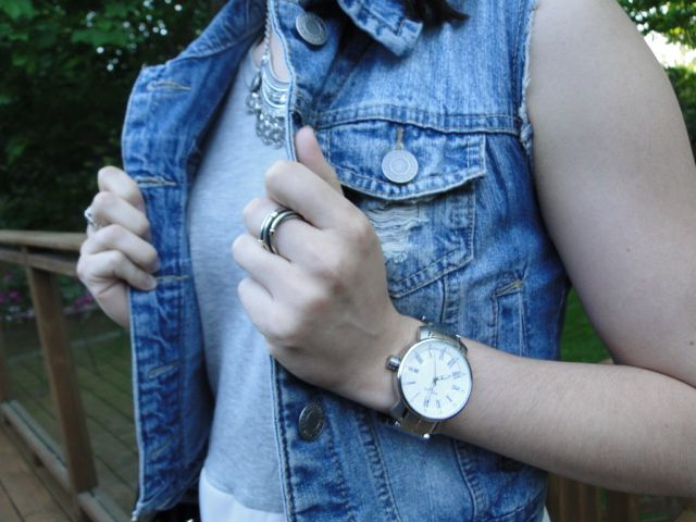 Who doesn't love accessories!? Newest post is talking about running errands