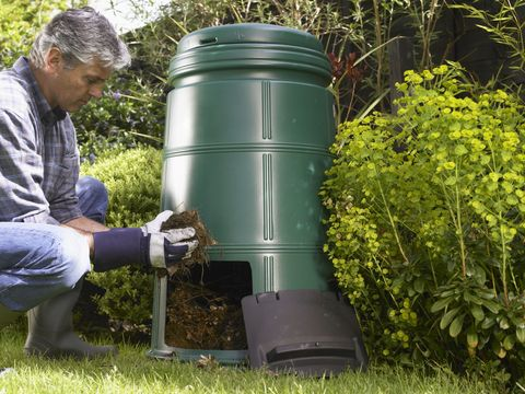 100 things you can (and should) compost.  Great article.