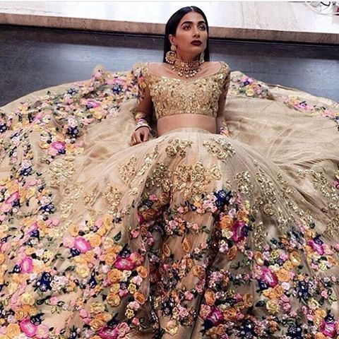 In love with this latest bridal collection by @neeta_lulla and @hegdepooja have added that extra grace in it! #runwaybridal #weddingplz #instabride #love #lehnga #bride #bride #followme #golden #photooftheday #bollywood #indianwedding #indianbride #instalike #instawedding #yoursinweddings #weddings #beautiful #fashion