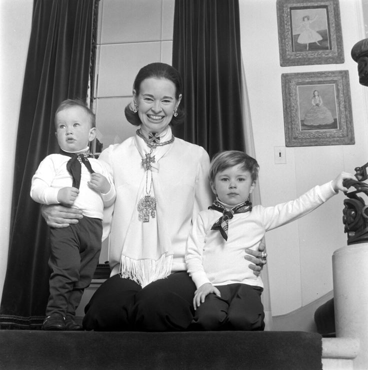 LONG ISLAND, NY - CIRCA 1969: Socialite and heiress Gloria Vanderbilt poses for a portrait session with her sons Anderson Cooper (left) and Carter Vanderbilt Cooper in their home in circa 1969 in Southampton, Long Island, New York. (Photo by Jack Robinson/Hulton Archive/Getty Images) - click through for Anderson Cooper Through the Years (scroll down)