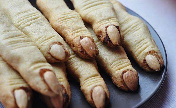 Ведьмины пальчики на Хэллоуин печенье