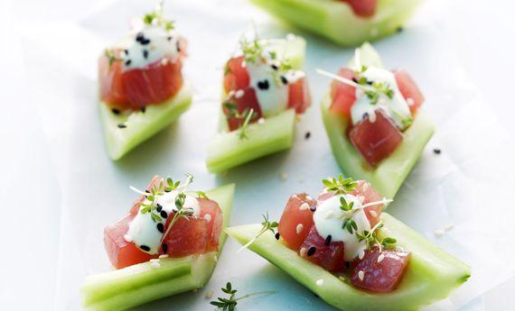 Finger food estivo: cetrioli con tartare di tonno, la ricetta fresca e leggera | Cambio cuoco