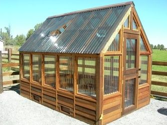 Greenhouse ideas..... Need this to grow my veggies year round