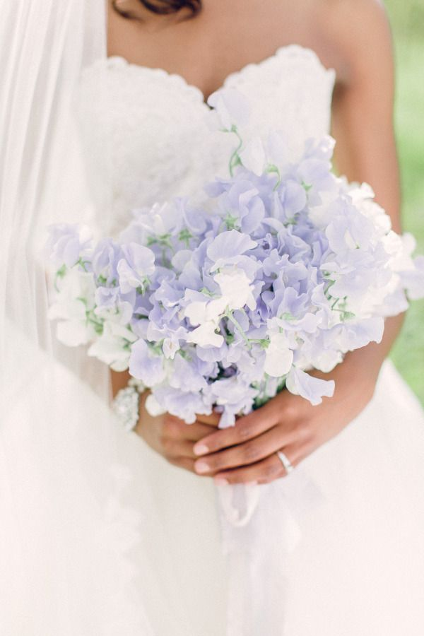 20 Single Bloom Bouquets We Love