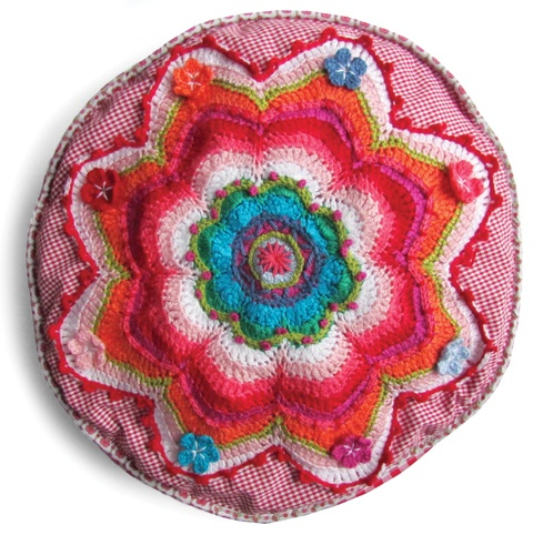 DIY... Chrochet, sew and embroidery this great  BANJU cushion.