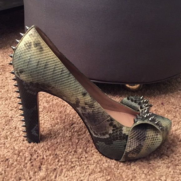 Vince Camuto heels NEW Brand new never worn spiked heels. Authentic Vince Camuto no trades, no PayPal Vince Camuto Shoes Heels