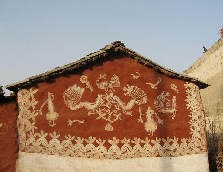 Mandana Art On The Walls Of A Tribal Home (http://avniarts.