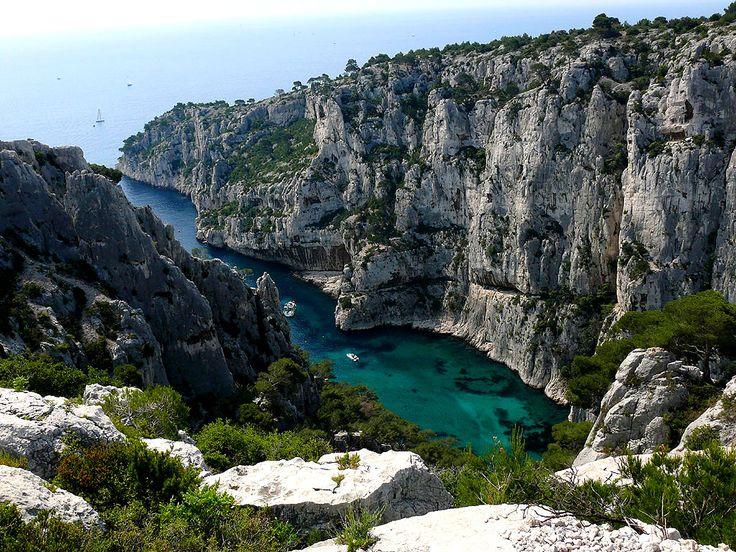 263 best images about cassis mes calanques on pinterest mediterranean sea sun and voyage. Black Bedroom Furniture Sets. Home Design Ideas