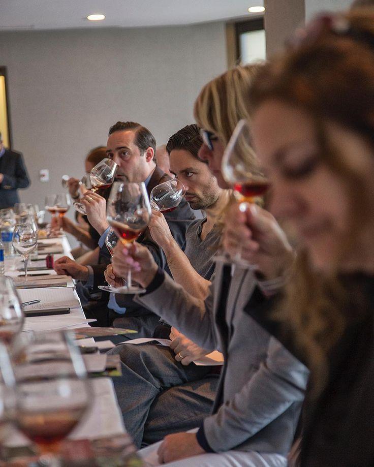 No dia 4 de maio o Hyatt Regency em Montréal (Canadá) recebeu o Porto & Douro Wine Training 2016. Os cursos dirigidos pelo crítico português Rui Falcão deram a conhecer a Região Demarcada mais antiga do mundo através de palestras seguidas de degustação.  Uma iniciativa do Instituto dos Vinhos do Porto e do Douro (IVDP) realizada em parceria com associações escolas e centros profissionais locais e com produção da EV - Essência do Vinho. by nunogvpires