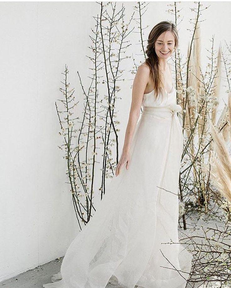 The stunning A LA Robe 'Pas de deux' wrap skirt definitely has us smiling this morning! #loversland #alarobe #silkskirt #twopieceweddingdresses