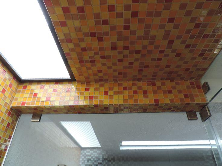 Regadera De Baño Que Es:del la regadera es de mosaico veneciano, los muros divisorios de