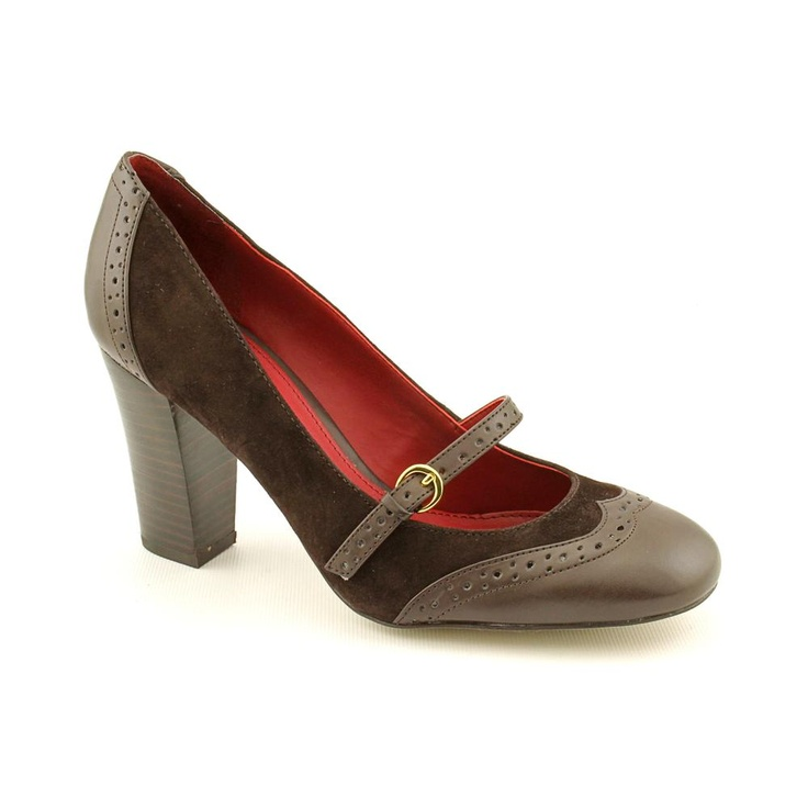 Tommy Hilfiger Haven2 --- $29.99 966.87 руб. --- The Tommy Hilfiger Haven2 shoes feature a suede upper with a round toe. The man-made outsole lends lasting traction and wear.