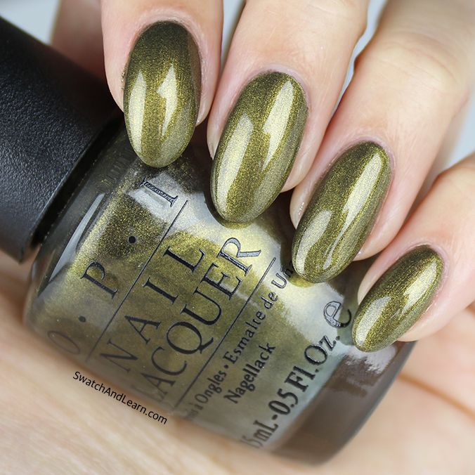 OPI At Your Quebec & Call from the 2004 Canadian Collection beckons to green polish enthusiasts!