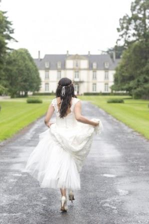 Louise Alvarez gown www.louisealvarez.com.au Phoptography Lauren Michelle Weddings | Wedding: Michelle and James, Normandy, France