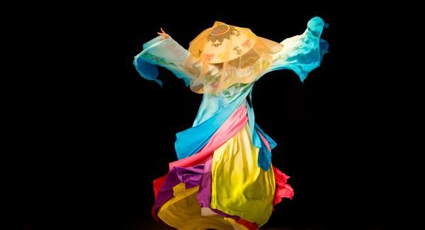 This city's all Seoul  [Ancient arts] A colourful silk-clad model performs at a fashion event showcasing the hanbok, a form of traditional Korean dress. Visitors looking to learn more about Korea's time-honoured arts are in good hands at the National Gugak Center, which puts on Korean dance shows and offers traditional music classes. Another option is the classic Seoul Art's Centre, which includes an opera house, concert hall and art galleries, showcasing everything from visiting orchestras…
