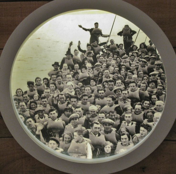 Ship with immigrants at the Port of Buenos Aires.