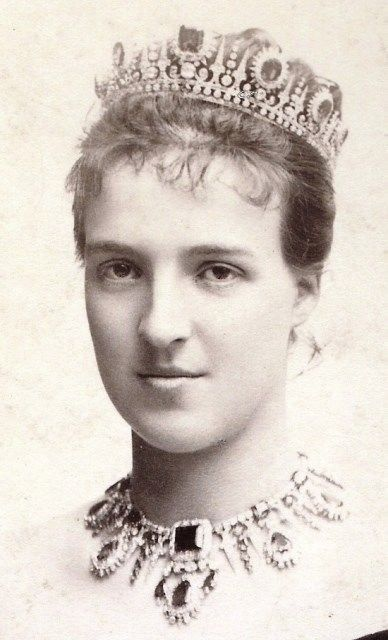 Queen Amelia of Portugal, neé princess D´Orleans. Early 1890s.