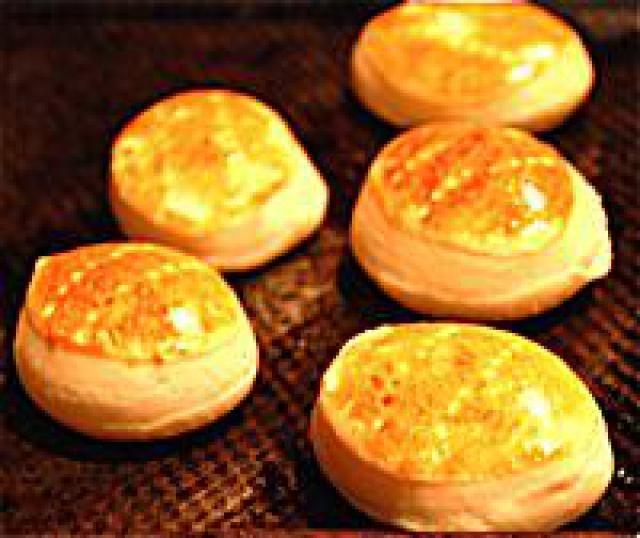 """Hallullas - Chilean """"Biscuits"""": Hallullas - Chilean Biscuits - Recipe for Hallullas"""