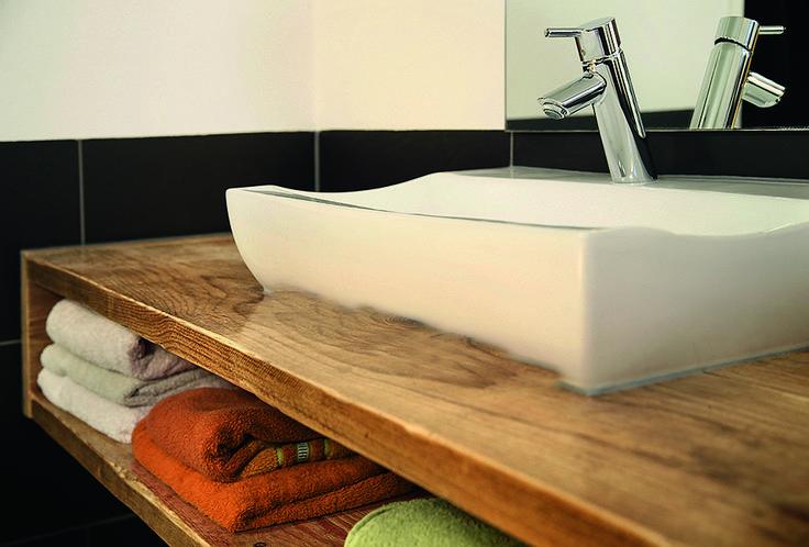 waschtisch mit aufgesetztem waschbecken eckventil waschmaschine. Black Bedroom Furniture Sets. Home Design Ideas