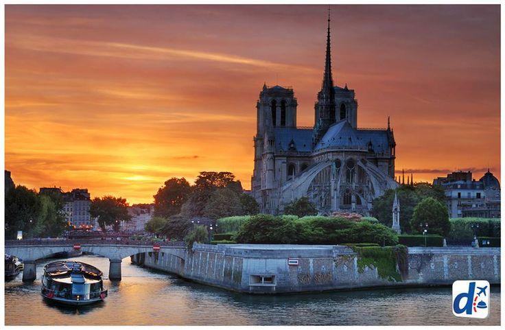 Notre Dame --> http://www.despegar.com/