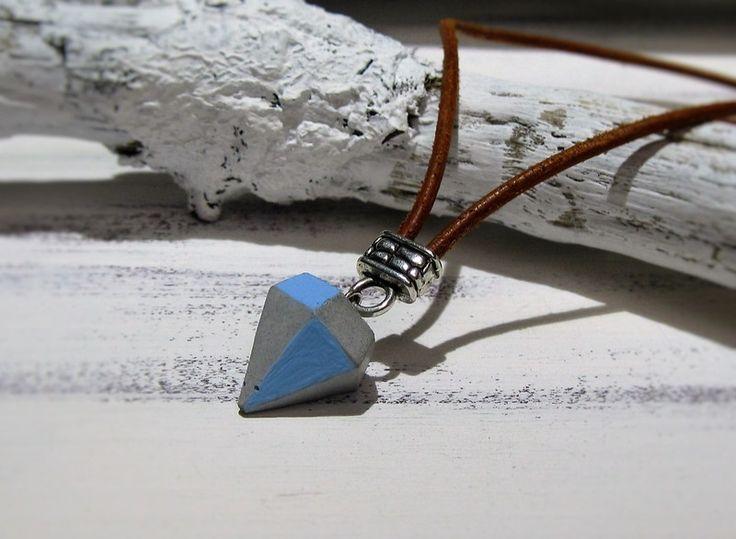 Beton Diamant Kette hellblau Lederband braun von CharLen auf DaWanda.com