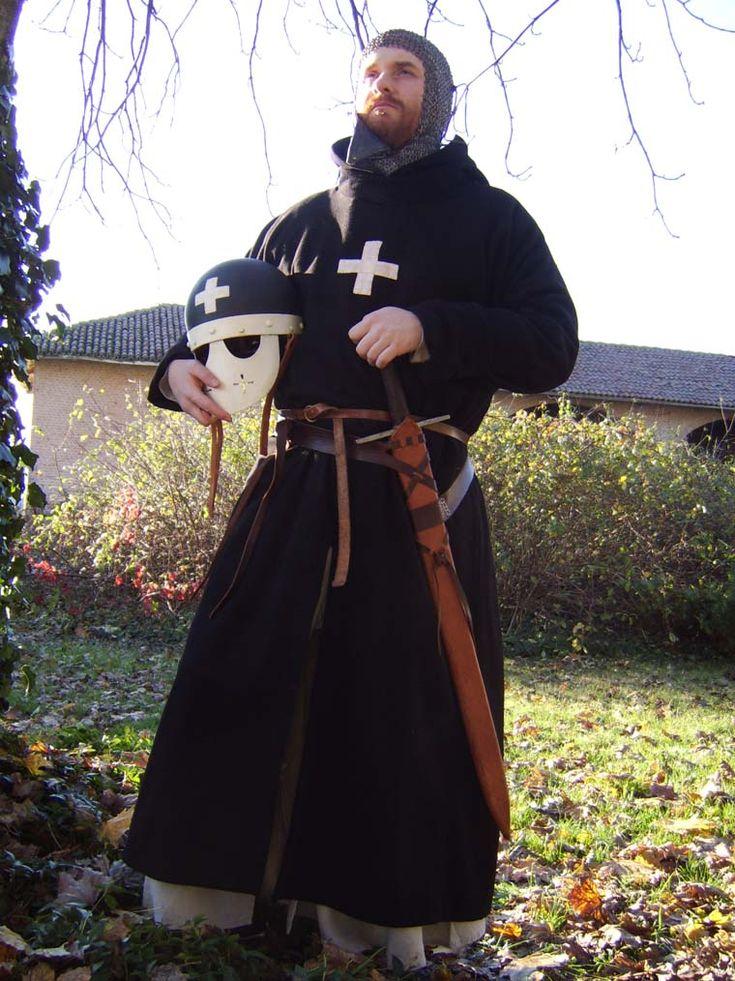 Achtergrond is kut, kruis is fout, maar ik vind de robe wel erg vet =)