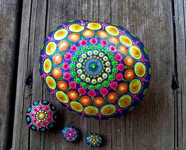 #Yuliart #YuliaArtDots #paintedstones #pebble #rock #stone #seatreasure #dots…