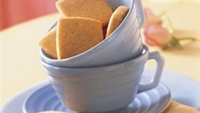 These buttery Easy Shortbread Cookies are spectacular! They are so easy to make and taste divine. 4 dozen 1 1/2-inch cookies