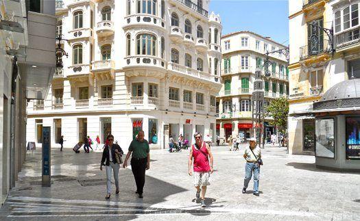 El viento en gran medida afectará a las provincias de Cádiz, Málaga, Granada, Almería y a la ciudad autónoma de Ceuta :http://www.malagaes.com/nacional/82937/