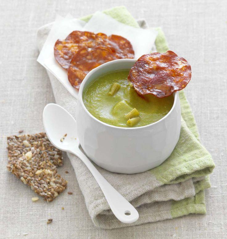 Un velouté bien gourmand aux haricots verts, agrémenté de tranches de chorizo grillées: voici une recette idéale pour les repas d'hiver.