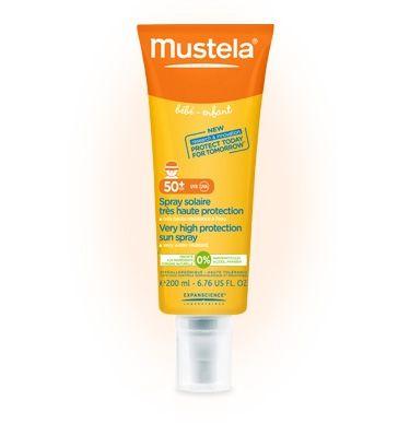 Issu de découvertes majeures sur la peau de l'enfant face au soleil, le nouveau Spray solaire très haute protection Mustela a été spécifiquement conçu pour protéger des dangers du soleil la peau fragile des bébés et des enfants dès la naissance