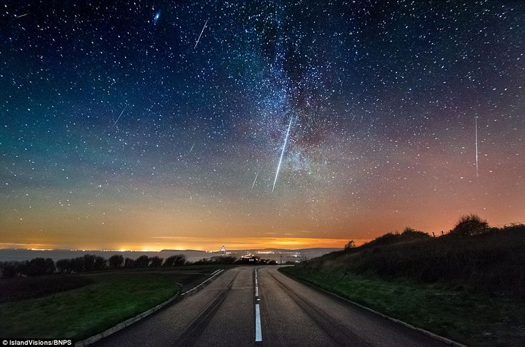 14th Dec.2014   A spectacular meteor shower lit up the skies last night with 100 shooting stars an hour, pictured along the Isle of Wight west coast near Chale