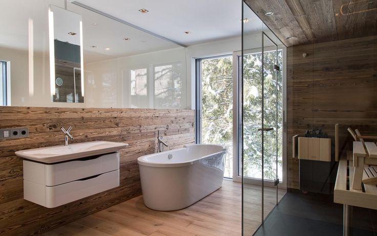 Badezimmer Alpenstil mit kleiner Sauna