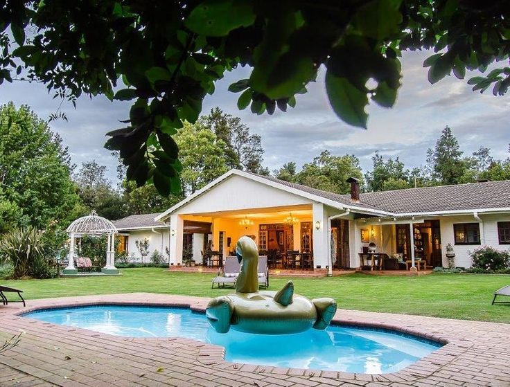 Come and enjoy your summer weekends by the poolside at @loxleyhouse in the Midlands Meander. #StayAWhile #YouShouldBeHere #LoxleyHouse