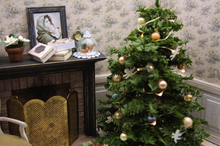 Vintage minature Christmas Collection - We Love Miniatures